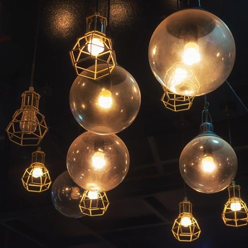 light bulbs hanging, interior design